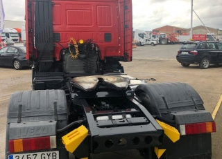 Cabeza tractora de ocasión IVECO STRALIS AT440S48TP, automática con intarder, 743.002km del año 2010.