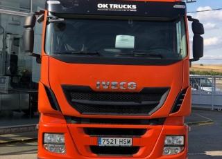 Cabeza tractora techo bajo  IVECO Hi Way AS440S46T/P,  automática con intarder,  del año 2013,  con 458.102km,  con 12 meses de garantía de cadena cinemática.  Precio sin impuestos.