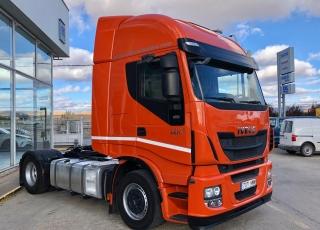 Cabeza tractora IVECO Hi Way AS440S46T/P, automática con intarder, de 2014, con 284.000km.