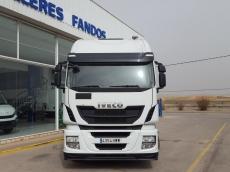 Cabeza tractora IVECO Hi Way AS440S46T/P EEV, automática con intarder, del año 2014, con 358.176km, con ADR completo, con 12 meses de garantía de cadena cinemática.