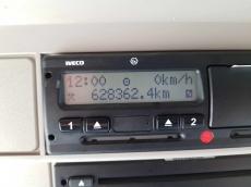 Cabeza tractora IVECO Hi Way AS440S46T/P, automática con intarder, del año 2014, con 628.362km, con ADR completo.