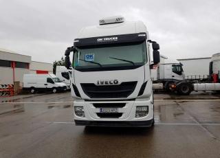 Cabeza tractora IVECO Hi Way AS440S46T/P, automática con intarder, del año 2013, con 460.143km, con garantía de cadena cinemática.