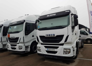 Tractor head IVECO Hi Way AS440S46T/P EEV, automatic with retarder, year 2013, with 357.732km.