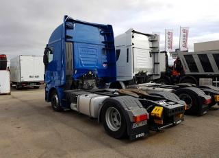 Cabeza tractora IVECO Hi Way AS440S46T/P, automática con intarder, del año 2014, con 434.750km, con ruedas 315/60R22.5 con  garantía de cadena cinemática.
