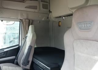 Cabeza tractora IVECO Hi Way AS440S46T/P, automática con intarder, del año 2013, con 423.277km, con  de garantía de cadena cinemática.