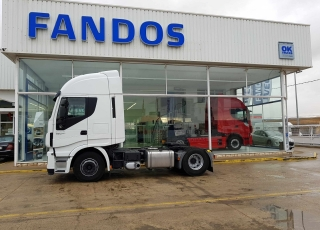 Tractor head IVECO Hi Way AS440S46T/P, automatic with retarder,  year 2013, with 453.000km.