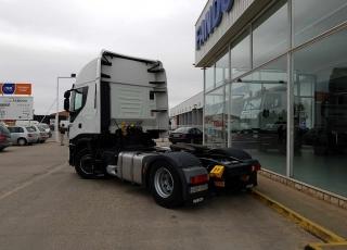 ¡¡¡Renueva tu camión por un IVECO EEV  HI WAY desde 555,00,-€ al mes.!!!  Cabeza tractora IVECO Hi Way AS440S46T/P, automática con intarder, del año 2013, con 427.656km, con  garantía de cadena cinemática.