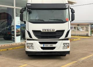 Cabeza tractora IVECO Hi Way AS440S46T/P, automática con intarder, de 2013, con 544.502km.