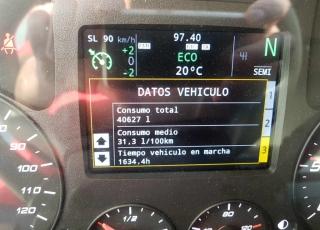 Cabeza tractora seminueva IVECO Hi Way AS440S46T/P, automática con intarder, de 2017, con 129.610km, con 2 años de garantía como un vehículo nuevo.