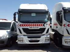 Tractor head IVECO Hi Way AS440S46T/P, automatic with retarder, year 2013, with 243.334km.
