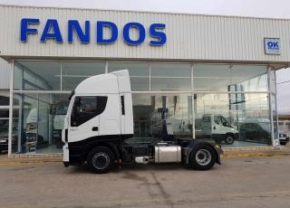 Cabeza tractora IVECO Hi Way AS440S46T/P, automática con intarder, del año 2014, con 259.556km, con 12 meses de garantía de cadena cinemática.