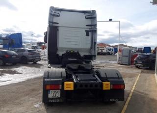 Cabeza tractora  IVECO Hi Way AS440S48T/P Euro 6,  Automática con intarder,  Del año 2015, con 622.135km Neumáticos 315/70R22.5  Precio 15.500€+IVA, con tractora SIN  reacondicionar y SIN garantía.  Precio 18.000€+IVA, con tractora reacondicionada y SIN garantía.