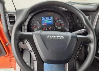 Cabeza tractora  IVECO Hi Way AS440S48T/P Euro 6, automática con intarder,  del año 2015,  con 486.110km, Neumáticos 315/70R22.5,  Precio 23.500€+IVA, con tractora reacondicionada y con 12 meses de garantía de cadena cinemática.