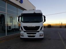 Cabeza tractora IVECO Hi Way AS440S48T/P, Euro 6, automática con intarder, del año 2014, con 294.533km, con 12 meses de garantía de cadena cinemática.