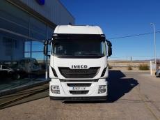 Cabeza tractora IVECO Hi Way AS440S48T/P, Euro 6, automática con intarder, del año 2015, con 166.992km, con 12 meses de garantía de cadena cinemática.