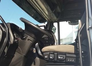Cabeza tractora seminueva IVECO Hi Way AS440S48T/P, automática con intarder, de 2014, con 545.300km, a un precio increíble.  Precio sin impuestos.