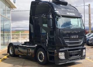 Cabeza tractora IVECO Hi Way AS440S48T/P, automática con intarder, de 2014, con 456.250km.