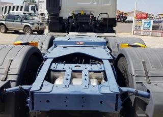Nueva Tractora  IVECO AS440S57TZ/P HW EVO, 6x4 de 570cv, Euro 6 automática con intarder para 60Tn.  - Frío nocturno. - Asiento confort. - Maxifrigo. - Iveconet. - Hill Holder. - Adactative Cruise Control.