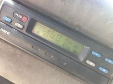 Cabeza tractora de ocasión RENAULT  PREMIUM 420.18, manual, 1.407.538km del año 2002.