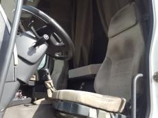 Cabeza tractora de ocasión RENAULT  PREMIUM 440.18 DXI, Euro 3,   manual con intarder y equipo hidráulico, 1.490.805km del año 2006.