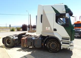 Cabeza tractora de ocasión, marca Renault Premium 450.18T,  automática con  intarder,  con equipo hidraulico,  con 1.495.209km del año 2007.  Precio 5.000€+IVA sin garantía. .