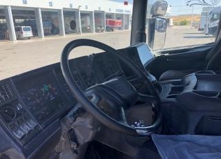 Cabeza tractora de ocasión marca Scania P124.400, manual con equipo hidráulico,  año 1999.