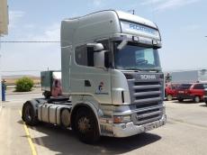 Cabeza tractora de ocasión marca Scania modelo R420 Euro 4, opticruise con intarder, año 2007, 1.384.333km. Precio sin impuestos.