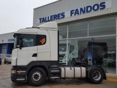 Cabeza tractora de ocasión marca Scania modelo R420, Opticruise con intarder, año 2009, 990.771km, con cama.