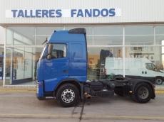 Cabeza tractora de ocasión VOLVO FH12 440, automática, 1.085.435km del año 2006.