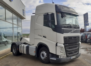 Tractor head,  VOLVO FH13 500, automatic,  year 2017, with 548.233km.
