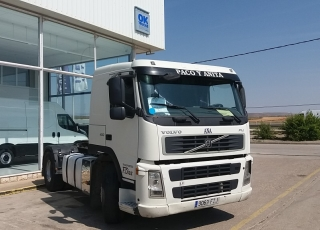 Tractor head VOLVO FM42 400, 4x2, manual, 897.778km, year 2008.