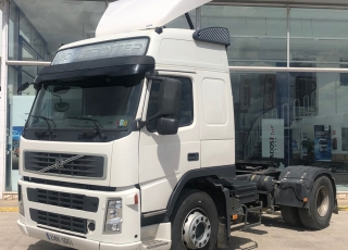Tractor head  VOLVO FM42.480, automatic, with 723.867km year 2008.