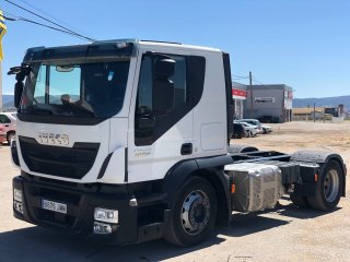 Tractora IVECO AT440S46T/FP CT portacoches