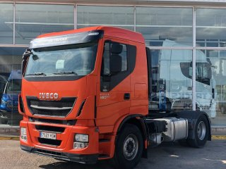 Tractor unit IVECO Hi Way AS440S46T/P EEV techo bajo