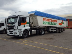 Entrega de cabeza tractora nueva IVECO AT440S46TP para la empresa Comermin de Alcorisa, Teruel. Gracias por seguir confiando en nosotros.