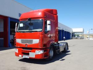Entrega de cabeza tractora de ocasión Renault Premium 460 con equipo hidráulico, para nuestro amigo Armando de Valladolid.