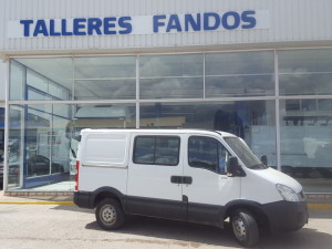 Entrega de furgón de 6 plazas IVECO 35S13SV Family del año 2011, para Requena, Valencia.