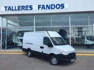 Entrega de furgoneta de ocasión IVECO Daily 35S13V de 12m3 para empresa paquetera de Teruel.