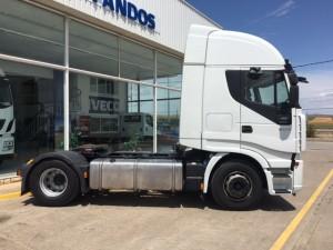 Entrega de cabeza tractora de ocasión  IVECO AS440S50TP  para Vilvestre del Pinar, Burgos.