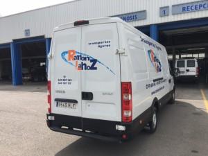 Entrega de furgón de ocasión IVECO 35S13V de 15m3 para Transportes Ramon y Lahoz de Pinesque, Zaragoza.