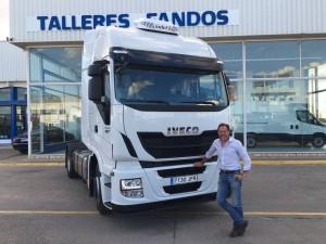 Entrega de cabeza tractora nueva IVECO Hi Way AS440S46TP automática con intarder para nuestro amigo Ramón.