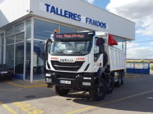 Entrega de dumper nuevo  IVECO AD410T50 8x4,   para la empresa Turolense Transportes Perez Novella, SL.