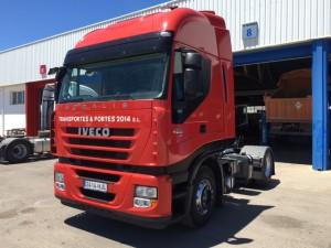 Entrega de cabeza tractora de ocasión IVECO AS440S42TP automática con intarder para Coria del Rio, Sevilla.