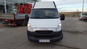 Entrega de furgón de ocasión IVECO 35S13V de 12m3 en Teruel.