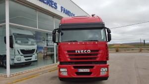 Entrega de cabeza tractora de ocasión IVECO AS440S42TP automática con intarder del año 2012 para Coria del Rio, Sevilla.