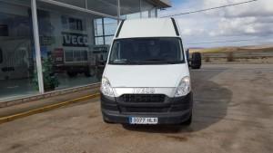 Entrega de furgón de ocasión en la Mata de los Olmos, Teruel. Se trata de una IVECO 35S13V de 12m3 del año 2012.