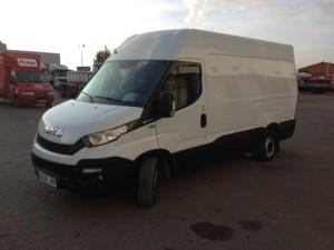 Entrega de furgoneta nueva  IVECO Daily 35S15V de 12m3.