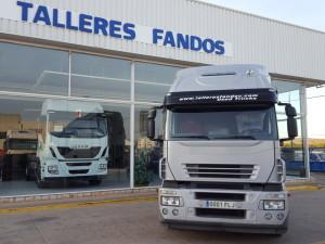 Nueva entrega de tractora de ocasión IVECO AT440S45TP automática con intarder para Lleida.