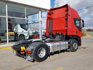 Magnifica tractora de ocasión IVECO AS440S42TP automática con intarder entregada para Valencia.