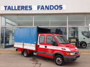 Entrega de furgoneta de ocasión IVECO doble cabina.